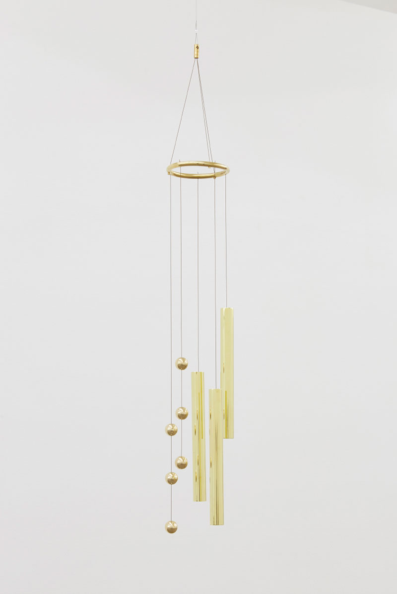 SOS II, 2017, Brass bells and steel wire, 115 x 16 x 16 cm. Courtesy of the artist and Anna Schwartz Gallery